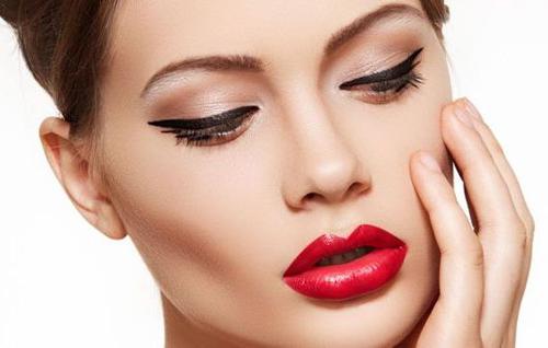 Перманентный макияж в салоне красоты Грааль