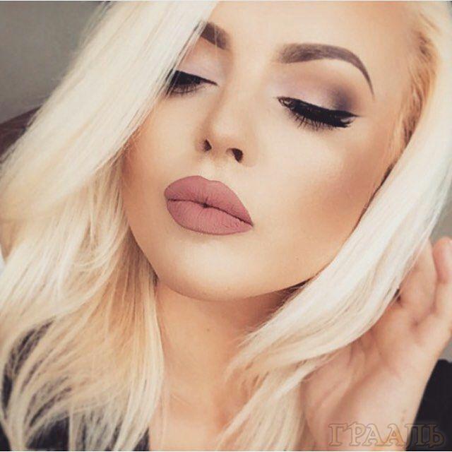 Коктейльный макияж для блондинки в салоне Грааль