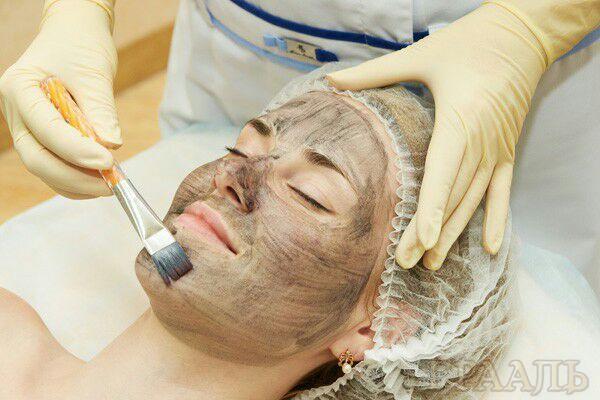 Лечение жирной кожи лица в салоне Грааль