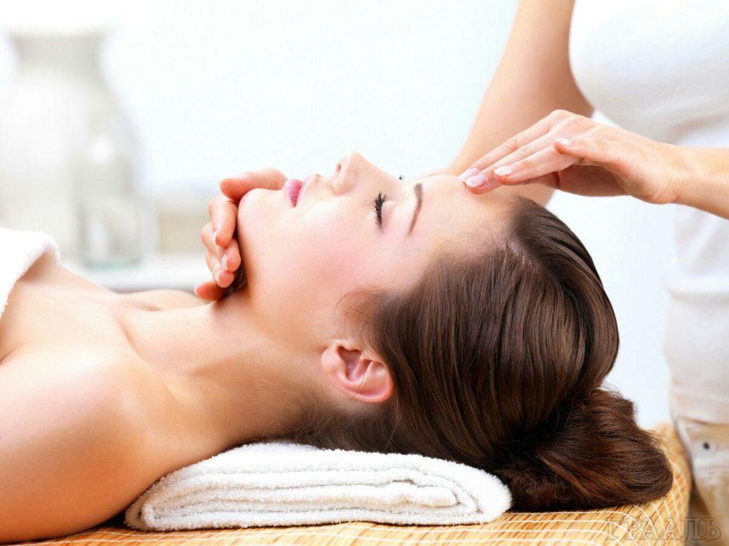 Пластифицирующий массаж в салоне красоты «ГРААЛЬ».